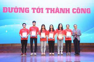 2 người phụ nữ quyền lực giao lưu với thầy và trò Trường Đại học Y Hà Nội