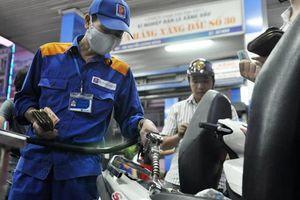 Tin kinh tế 6AM: Giá xăng dầu đồng loạt tăng mạnh