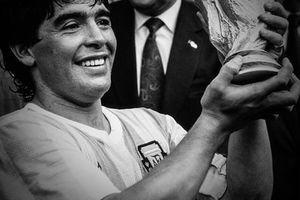 Đám tang 'Cậu bé vàng' Maradona