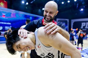 Khoảnh khắc cảm xúc của Thang Long Warriors khi vào chung kết VBA