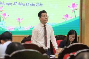 Trưởng phòng giáo dục trao đổi trực tiếp về thu chi tài chính