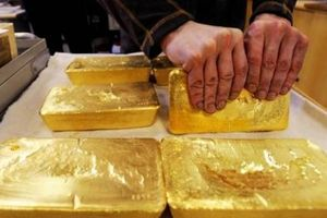 Giá vàng hôm nay 28/11: Vàng ngoại giảm sâu thê thảm