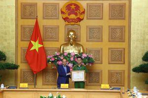 Thủ tướng Chính phủ trao Bằng khen cho 50 tấm gương sáng thầm lặng vì cộng đồng