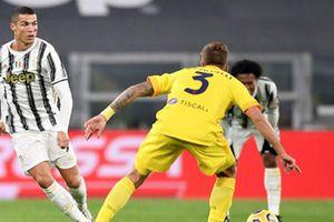Ronaldo quá tải được Juventus cho 'ngồi chơi xơi nước'