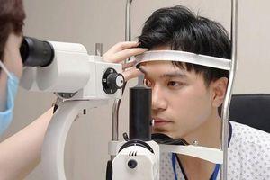 Bác sỹ nhãn khoa cảnh báo nguy cơ mất thị lực do đeo kính sai số