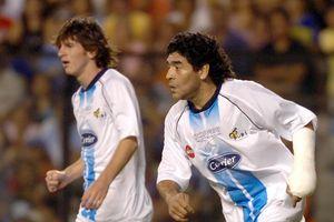 Lần hiếm hoi Maradona và Messi cùng ra sân thi đấu