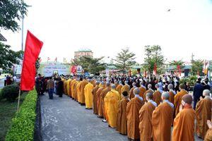 Quảng Ninh: Hàng nghìn người tham dự nghi Lễ rước một trong những Tượng Phật Ngọc lớn nhất Việt Nam
