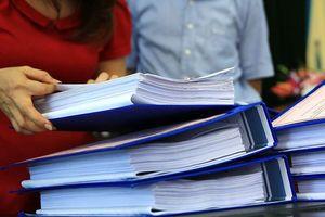 Chủ đầu tư có được ký tài liệu với tư cách bên mời thầu?