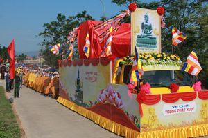 Rước tượng Phật ngọc lớn nhất Việt Nam về Quảng Ninh