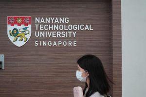 Giảng viên Singapore trích lương nghỉ phép ủng hộ sinh viên