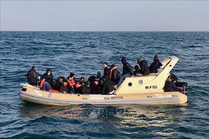 Anh và Pháp ký thỏa thuận mới ngăn chặn nạn vượt biên trái phép