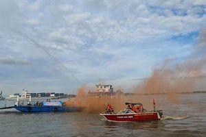 Hơn 100 người tham gia diễn tập chữa cháy, cứu nạn, cứu hộ tại Bến phà Phước Khánh