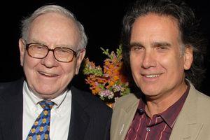 Con trai tỷ phú Warren Buffett 'không hối hận' khi tiêu hết tiền thừa kế