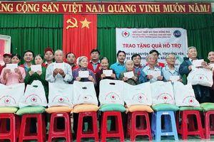 Tặng 600 phần quà cứu trợ đồng bào 2 tỉnh Khánh Hòa và Phú Yên