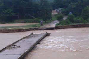 Khánh Vĩnh: Nước lũ cuốn trôi mố cầu tràn Sông Trang
