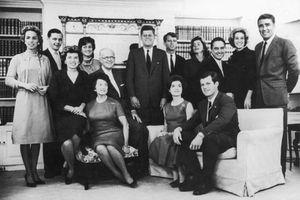 'Lời nguyền' nghiệt ngã đeo bám gia tộc Kennedy danh tiếng