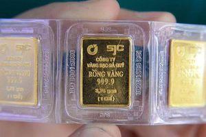 Giá vàng trong nước phiên đầu tuần tiếp tục lao dốc