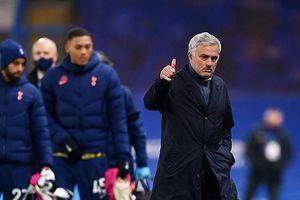 Mourinho tung chiêu độc giúp Tottenham vô địch Premier League