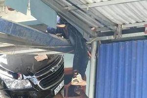 Tài xế lái ô tô đâm cháu bé 12 tuổi văng lên mái nhà ở Thái Nguyên vẫn chưa trình diện cơ quan công an