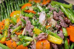 Cách làm món thịt bò xào măng tây thơm ngon, lạ miệng