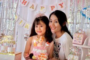 Con gái tròn 6 tuổi: Vợ cũ Gia Bảo tổ chức sinh nhật ấm cúng, nam diễn viên dẫn bé đi chơi