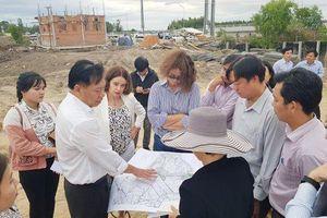 Đại diện Ngân hàng Thế giới và đại sứ Australia khảo sát tại An Giang