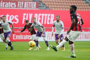 Kết quả Milan 2-0 Fiorentina: 'Toure mới' tỏa sáng thay Ibra, Milan bỏ xa Juventus 6 điểm