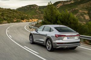 Audi E-Tron 2021 nâng cấp phiên bản mới, thêm tính năng dành cho xe sạc tại nhà