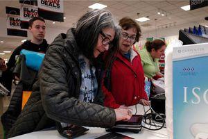 Doanh số bán trực tuyến của Mỹ tăng kỷ lục vào Black Friday