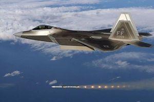 Mỹ 'khoe' sức mạnh chiến đấu vô địch của tiêm kích tàng hình F-22 Raptor