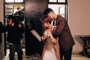Uyên Linh gây 'sốt' với MV mới kết hợp cùng 'hoàng tử tình ca' Vũ