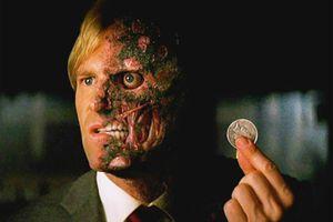 Quyết định gây tranh cãi của Người Dơi trong 'The Dark Knight'