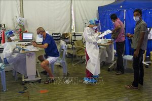 Malaysia triển khai xét nghiệm COVID-19 cho công nhân nước ngoài