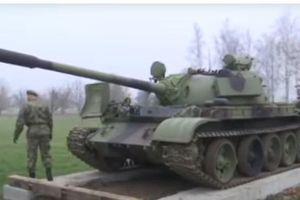 Tượng đài xe tăng T-55 được lắp đặt ở Serbia