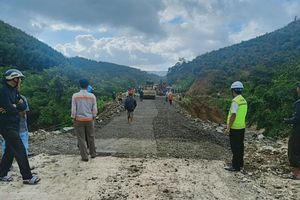 Đắk Lắk: Quốc lộ 26 thông xe sau 3 ngày sạt lở, sụt lún