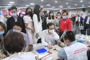 Samsung Việt Nam hiến máu hưởng ứng chương trình Chủ nhật Đỏ
