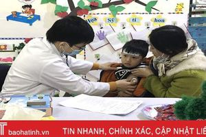 Khám bệnh, cấp phát thuốc miễn phí cho 600 thiếu nhi huyện Lộc Hà