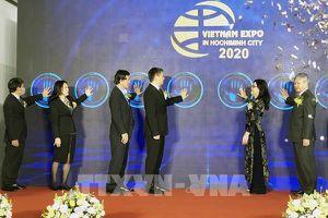 Lần đầu tiên triển lãm gian hàng 'từ xa' tại Vietnam Expo lần thứ 18