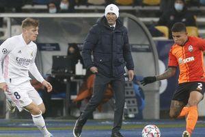 Vết trượt của Real có sai lầm từ Zidane