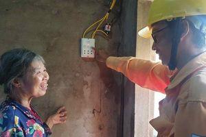 Nỗ lực đưa điện lưới quốc gia về 'vùng lõm điện' cuối cùng của tỉnh Phú Yên