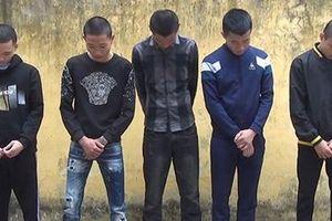 Bắt nhóm thanh niên nửa đêm ra cánh đồng sử dụng ma túy