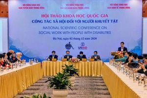 Động viên người khuyết tật phát huy năng lực, đóng góp cho xã hội