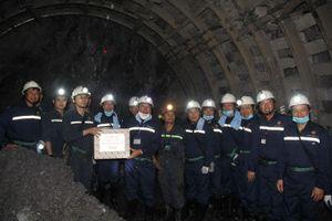 Chủ tịch TKV kiểm tra sản xuất hầm lò Than Dương Huy