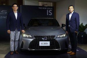 Lexus IS 2021 hơn 2 tỷ đồng tại Thái Lan, sắp về Việt Nam