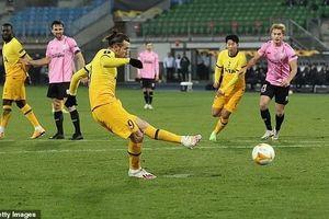 Tottenam giành vé đi tiếp, AC Milan ngược dòng không tưởng