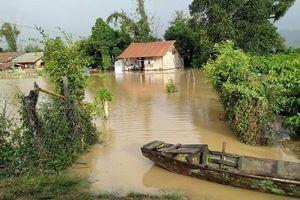 Nước lũ đổ về, hàng trăm hộ dân Đắk Lắk bị ngập nặng