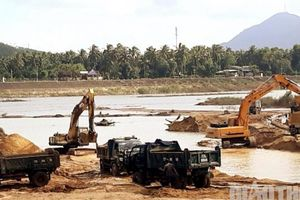 Dừng mọi hoạt động nạo vét sông Lại Giang sau phản ánh của Báo Giao thông