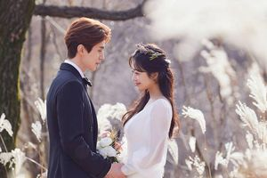 Lee Dong Wook chính thức kết hôn với Jo Bo Ah: Ảnh cưới đẹp lung linh!