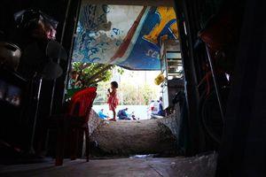 TPHCM: Nhà dân biến thành 'hầm' khi đường Nguyễn Hữu Cảnh nâng cao