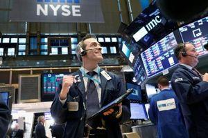 Đồng bạc xanh và thị trường chứng khoán diễn biến ngược chiều trong tháng 11
